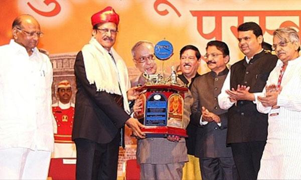 President of India presents Punyabhushan Award to Shri Pratap Pawar